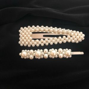 Accessories - 💫 Pair of Pearl Hair Clips